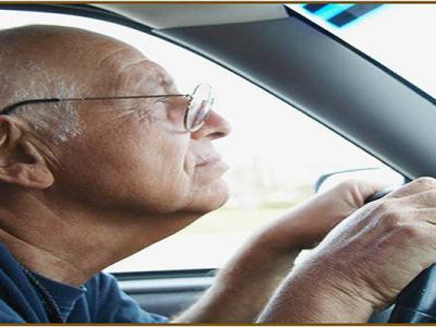 تاثیر آلزایمر در زندگی فرد کهنسال