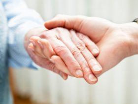 نگهداری سالمندان